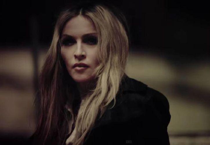 Madonna durante una escena del video Ghosttown, correspondiente a su nuevo disco Rebel Heart. (Captura de pantalla de YouTube)