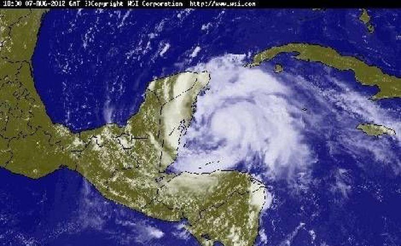 'Ernesto' fue uno de los huracanes que golpearon a México el año pasado. (milenio.com)