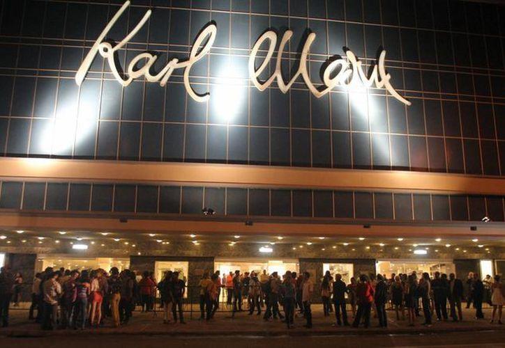 """El """"Havana Jam"""" se realizaba con músicos de la Cuba y EU en el teatro Karl Marx de La Habana en 1979, fue uno de los primeros """"puentes musicales"""" entre ambos países. (EFE)"""
