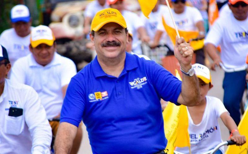 El candidato Julián Ricalde atenderá a los padres de familia de Lázaro Cárdena, que piden haya una universidad pública en este municipio. (Foto: Redacción)