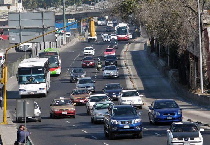 Implementa la SCT el operativo 'Constitución 2017' con motivo del primer fin de semana largo del 2017. Imagne de contexto de la autopista México- Pachuca a la altura del paradero de indios verdes. (Archivo/Notimex)