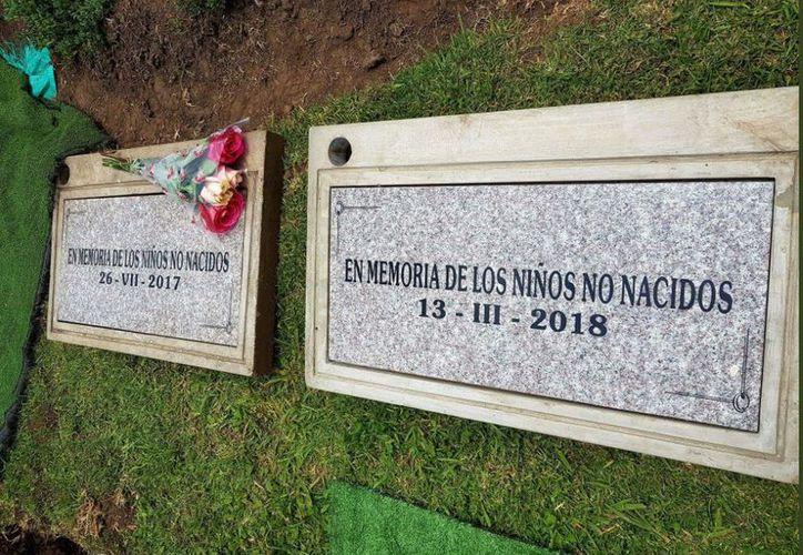 """El proyecto """"Bebés en el cielo"""" da una digna sepultura a los fetos o bebés abandonados sin ser reconocidos. (Foto: Twitter)"""