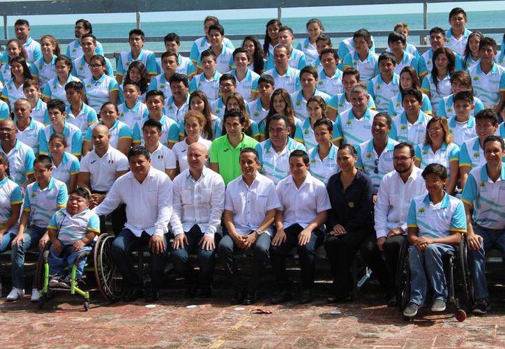 Este domingo se entregó Premio Estatal a lo más sobresaliente del Deporte quintanarroense. (Miguel Maldonado/SIPSE)