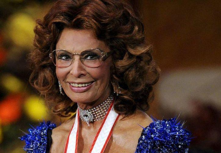 """El título de la autobiografía de de Sophia Loren sería """"Leri, oggi, domani"""" que recuerda a un film de 1963 dirigido por Vittorio De Sica  y coprotagonizado con su amado Marcello Mastroianni. (EFE/Archivo)"""