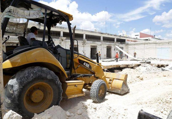 Ya terminó la demolición en la antigua zona de carnes del mercado Lucas de Gálvez. (SIPSE)