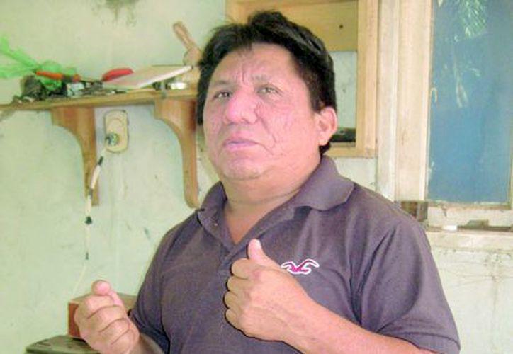Uno de sus más grandes sueños es poner un mercado de artesanías. (Foto: Javier Ortíz/SIPSE).