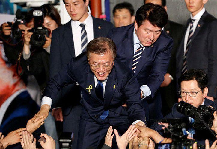 Choi Young-jae está rompiendo corazones desde que comenzó a aparecer en la escena pública en Corea del Sur. (RT)