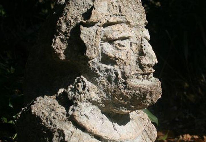 """El """"Monolito de Itzamná"""" o """"Monolito de Playa del Carmen"""" será colocado en dos meses en el Museo Maya de Cancún.  (Cortesía/Raymundo Tineo Celaya)"""