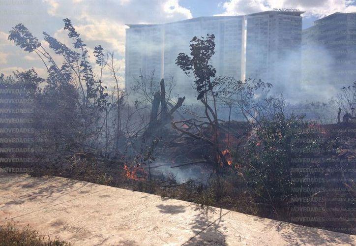 El incendio en el Malecón Tajamar ha dejado una gran afectación. (Redacción/Stephani Blanco).