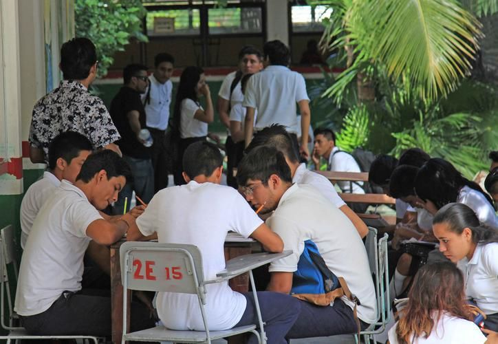 El Cetmar pasó este año de 800 a mil 145 estudiantes, de los cuales 546 son de primer semestre. (Archivo)