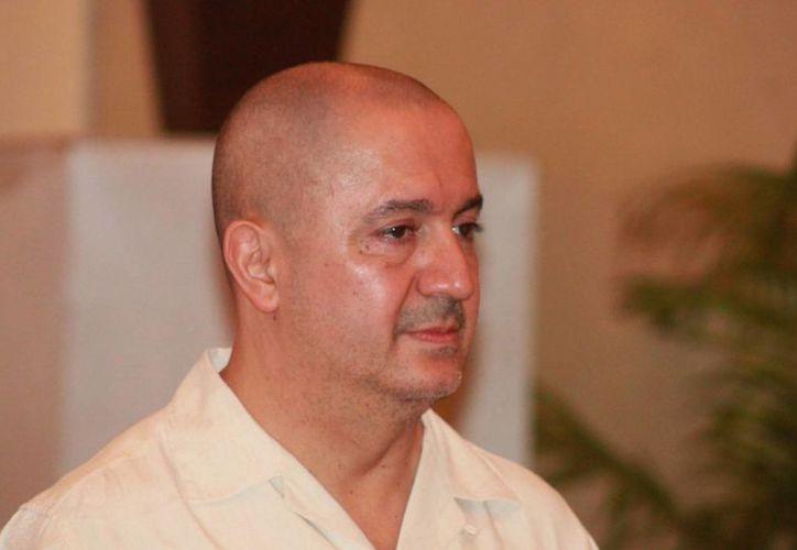 Javier Aranda Pedrero dijo que desde su oficina ya se tienen negociaciones con touroperadores irlandeses. (Adrián Barreto/SIPSE)