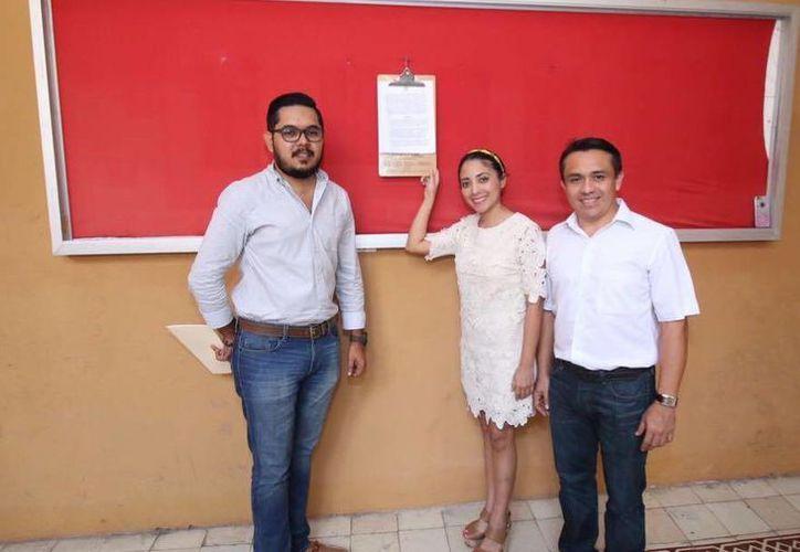 Esta mañana los Secretarios del Comité Directivo Estatal del PRI emitieron en los estrados del Partido, la convocatoria para la elección del Presidente sustituto para concluir el periodo 2013-2017. (PRI Yucatán)