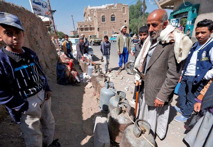 Unos dos tercios de la población de Yemen dependen de suministros importados. (AFP).