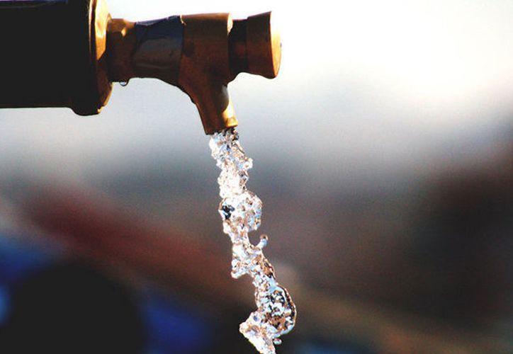 Al año, el consumo de agua por persona en la entidad, es de 131 mil 400 litros. (Foto: Contexto/Internet)