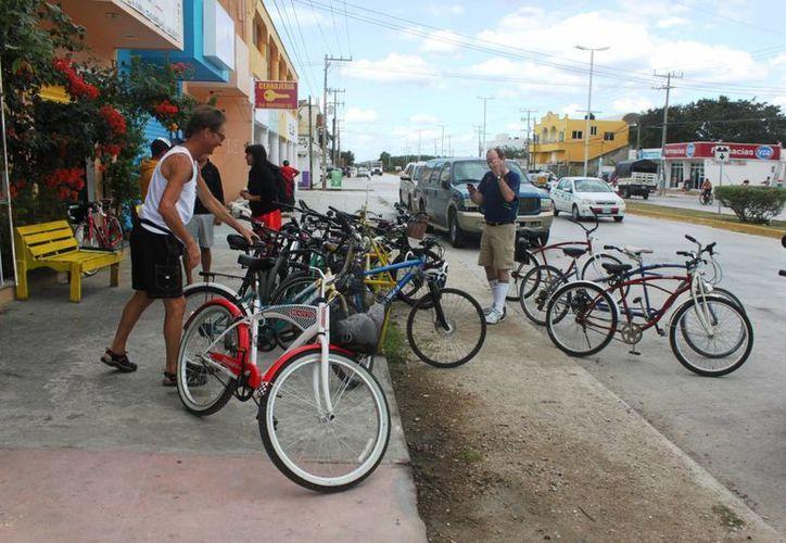 La EMBI inició una encuesta para conocer detalles sobre las bicis que han sido robadas en Playa del Carmen. (Daniel Pacheco/SIPSE)