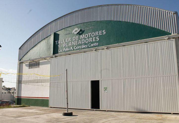 El pasado 4 de mayo el Conalep plantel III obtuvo su certificación por parte la Dirección General de Aeronáutica Civil (Jesús Tijerina/SIPSE)