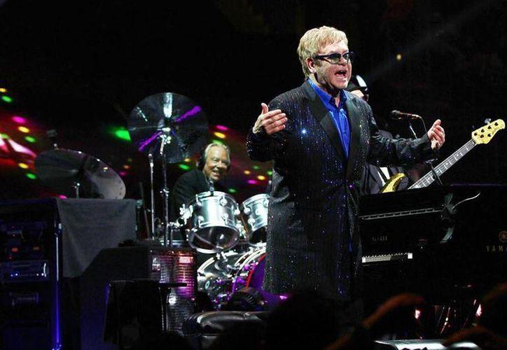 Elton John prepara un fondo para ayudar a formar jóvenes atletas que representen a Gran Bretaña en Juegos Olímpicos y Paraolímpicos. (Facebook/Elton John)