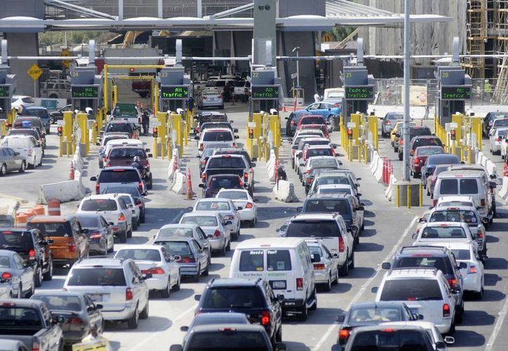 El INM lanzó una aplicación para teléfonos celulares con la cual se puede consultar la ruta más segura para ingresar a México. (Archivo/SIPSE)