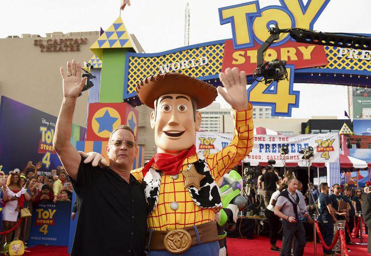 """La cinta trae las nuevas aventuras de """"Woody"""", """"Buzz"""" y todos sus amigos, a quienes se unen """"Forky"""" y """"Duque Kaboom"""". (Photo by Chris Pizzello/Invision/AP)"""