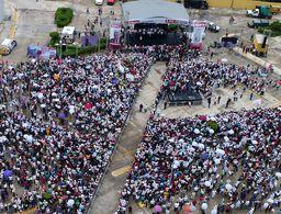 Miles arropan a Mara Lezama en su cierre de campaña