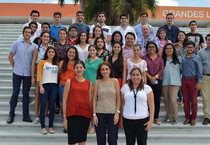 Se entregaron reconocimientos a los estudiantes de intercambio que concluyeron sus estudios este semestre en la Universidad Anáhuac Mayab. (Milenio Novedades)
