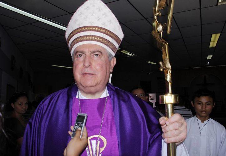 Mons. Berlie Belaunzarán agradeció el apoyo de los Obispos. (Juan Albornoz/SIPSE)