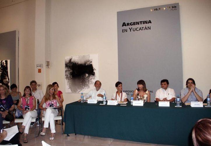Los artistas argentinos dijeron que sus obras reflejan sus raíces y la situación de su país. (SIPSE)