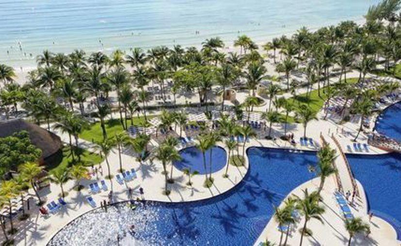 La cadena Barceló busca llenar 20 vacantes laborales que tiene en sus hoteles de la Riviera Maya. (www.barcelo.com)