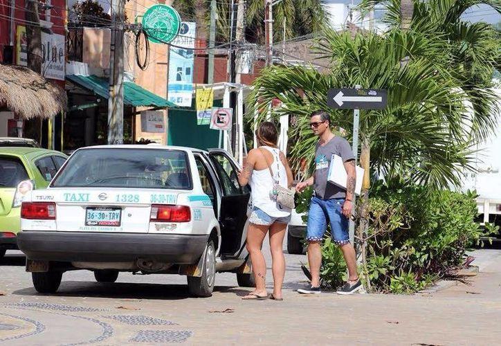 La mayoría de quejas de los ciudadanos fueron por el alza de las tarifas en fiesta decembrinas. (Foto: Octavio Martínez)