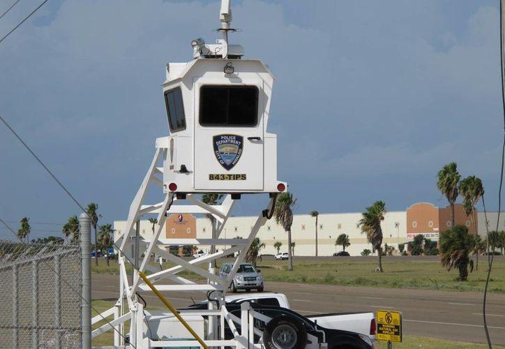 La Guardia Nacional de Texas instaló una torre de observación en los condados de Hidalgo y Starr para grabar actividad sospechosa en la zona. (AP)