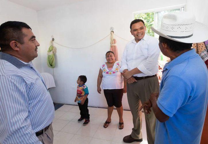 En materia de desarrollo social destaca que durante 2016 el gobierno estatal implementó la estrategia Mejorar, con acciones enfocadas a optimizar la calidad y los espacios de las viviendas yucatecas. (Cortesía DGCS)