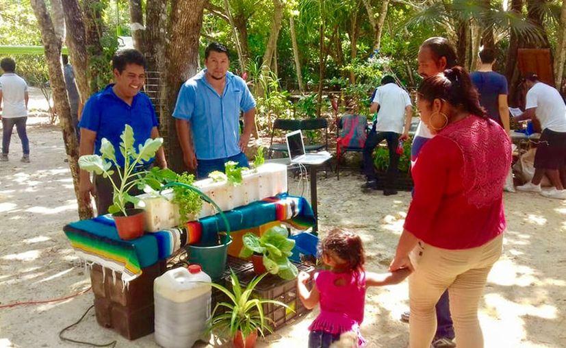 Al evento acudieron familias que se interesaron en aprender un poco más en el tema del cuidado de la biodiversidad. (Cortesía)
