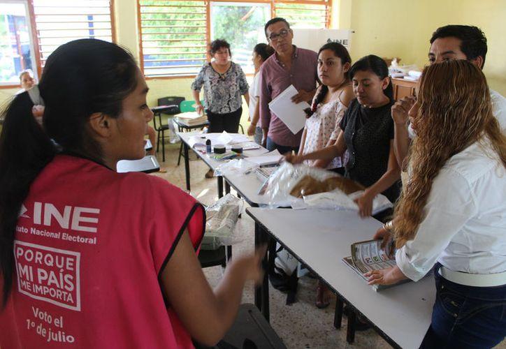 Durante las elecciones pasadas se invirtieron 3.5 millones de pesos en el  Programa de Resultados Electorales Preliminares (PREP) para Quintana Roo. (Daniel Tejada/SIPSE)