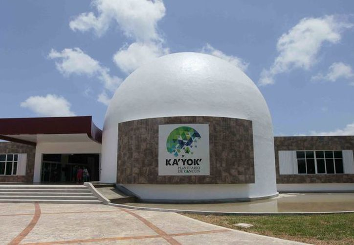 En el Planetario K'a Yok' de Cancún se realizan diferentes actividades para los alumnos que visitan el recinto. (Redacción/SIPSE)