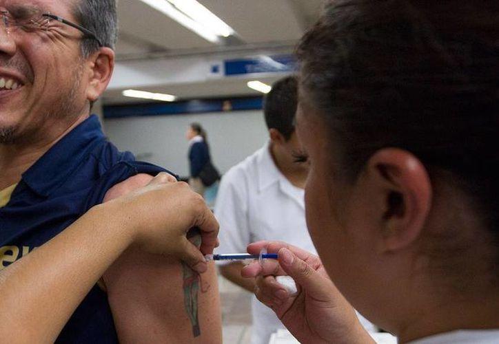 De acuerdo con la Secretaría de Salud, la epidemia de influenza que hay actualmente en el país 'está en los límites de lo espero'. (Archivo/NTX)
