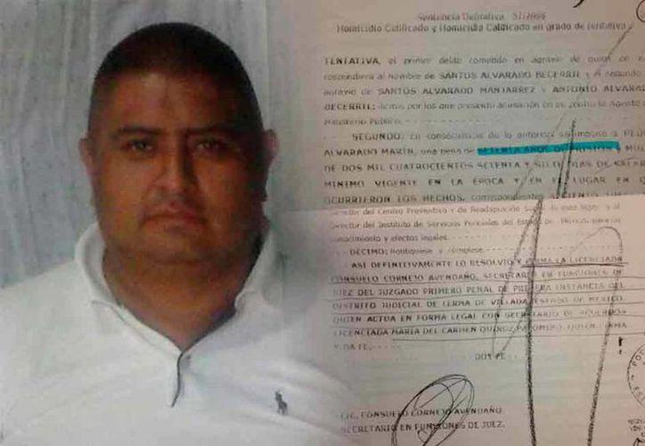 Imagen de Pedro Alvarado y la sentencia que lo condenó a 70 años de cárcel.(internacional.elpais.com)