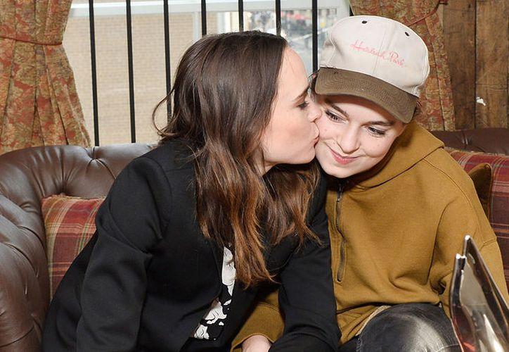 En sus redes sociales, la actriz de la película 'Juno' anunció su boda con la coreógrafa Emma Portner, (Foto: Just Jared)