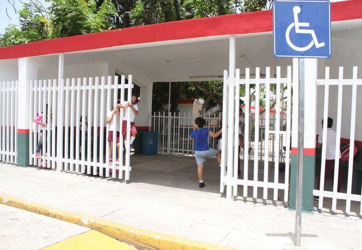 El caso denunciado es de la escuela primaria Alfredo V. Bonfil. (Sergio Orozco/SIPSE)