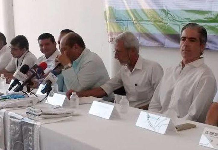 Imagen de la rueda de prensa donde se anunció el evento Limpiemos Nuestro México 2015. (Milenio Novedades)
