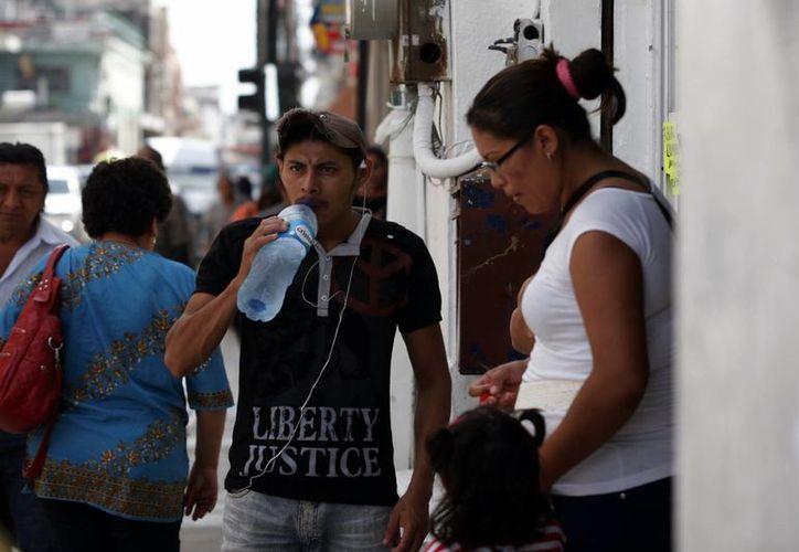 Para este viernes prevalecerán condiciones de fuerte calor en la Península de Yucatán. (Christian Ayala/SIPSE)