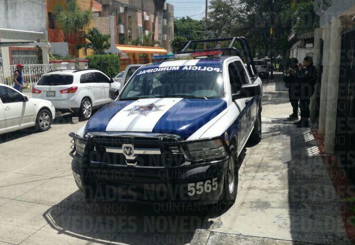 Al lugar también arribaron elementos de la Policía Municipal. (Sergio Orozco/SIPSE)