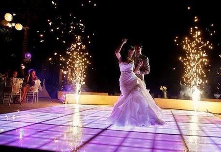 El rubro de bodas cerrará con 15 mil ceremonias en Cancún y una cifra similar en la Riviera Maya. (Foto de Contexto/haciendatresrios.com)