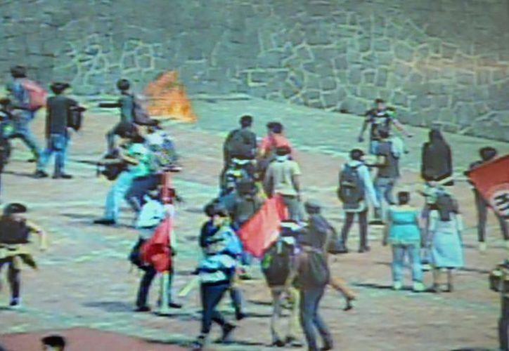 El pasado 3 de septiembre, un grupo de 'porros atacaron a jóvenes que se manifestaban en CU, varios vídeos de la agresión fueron difundidos en redes sociales. (Milenio)