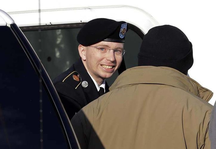 Bradley Manning, acusado de filtrar material secreto a WikiLeaks, es uno de los candidatos a recibir el premio. (Archivo/AP)