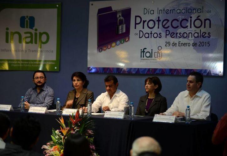 La conferencia se impartió en la UMSA por personal del  Instituto  Federal de Acceso a la Información y Protección de Datos Personales. (Milenio Novedades)
