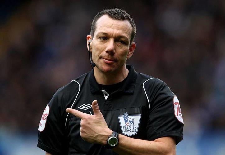 La Premier League cambió de partido al árbitro Kevin Friend, esto para evitar malentendidos sobre un duelo decisivo por el campeonato. (Imagen tomada de nbcsports.com)