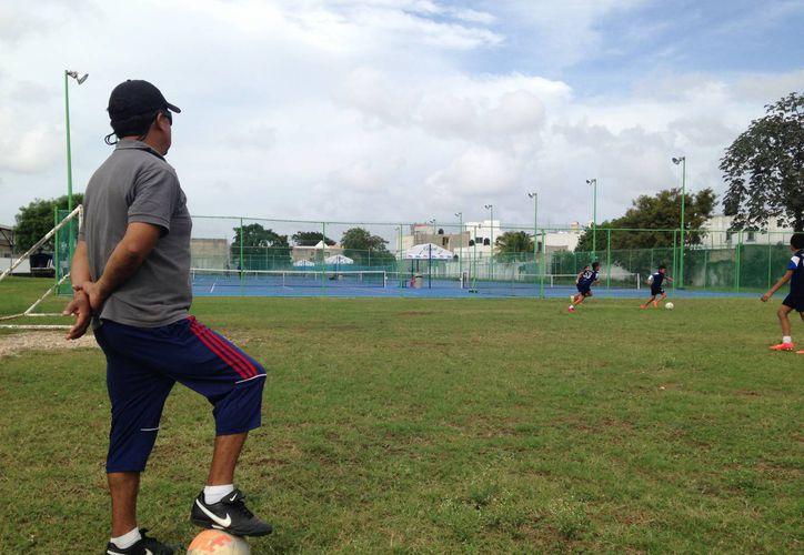 José Guillén asegura que están a tiempo y no descarta una sorpresa en la reanudación del torneo. (Redacción/SIPSE)