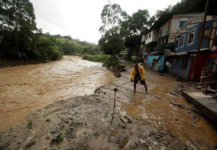 La recién formada tormenta tropical Nate dejó al menos 22 muertos en Nicaragua, Costa Rica y honduras. (Reuters).