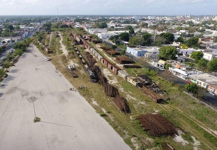 Vecinos aseguraron que después del concierto de Shakira, en julio de 2011, la zona se limpió y quedó todo abandonado. (Milenio Novedades)