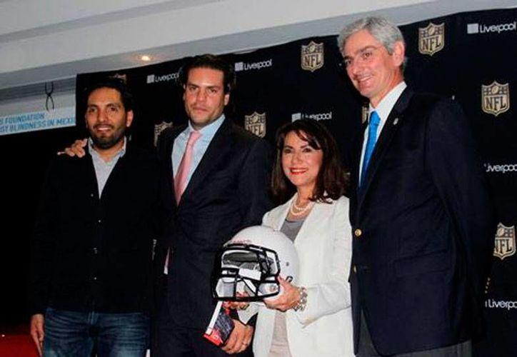 NFL México presentó el Fashion Touchdown 2015, cuyo fin altruista pretende ayudar a personas que padecen cataratas, una de las causas más frecuentes de ceguera, en México. (Milenio Digital)